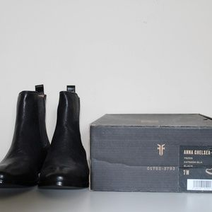 Frye Anna Chelsea Boots Size 7